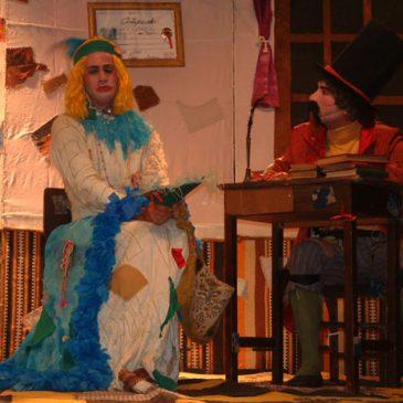 """Estudantes assistem à peça """"Uma consulta"""""""