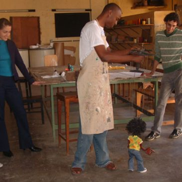 Visitantes conhecem Instituto Francisca de Souza Peixoto