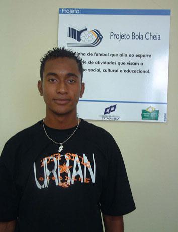 Atleta visita Instituto Francisca de Souza Peixoto