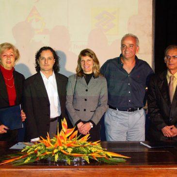 ICC lança projetos e assina parcerias